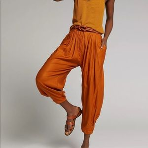 Anthropologie Astrid Pleated Harem Pants Trousers